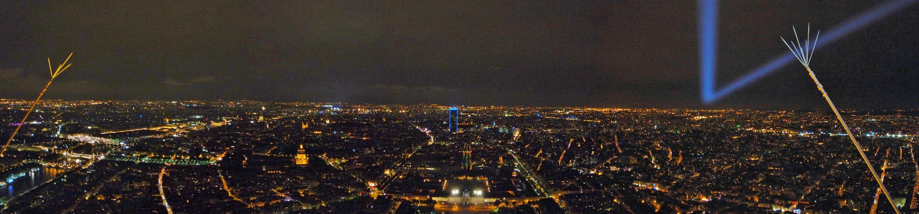 Ночная панорама Парижа